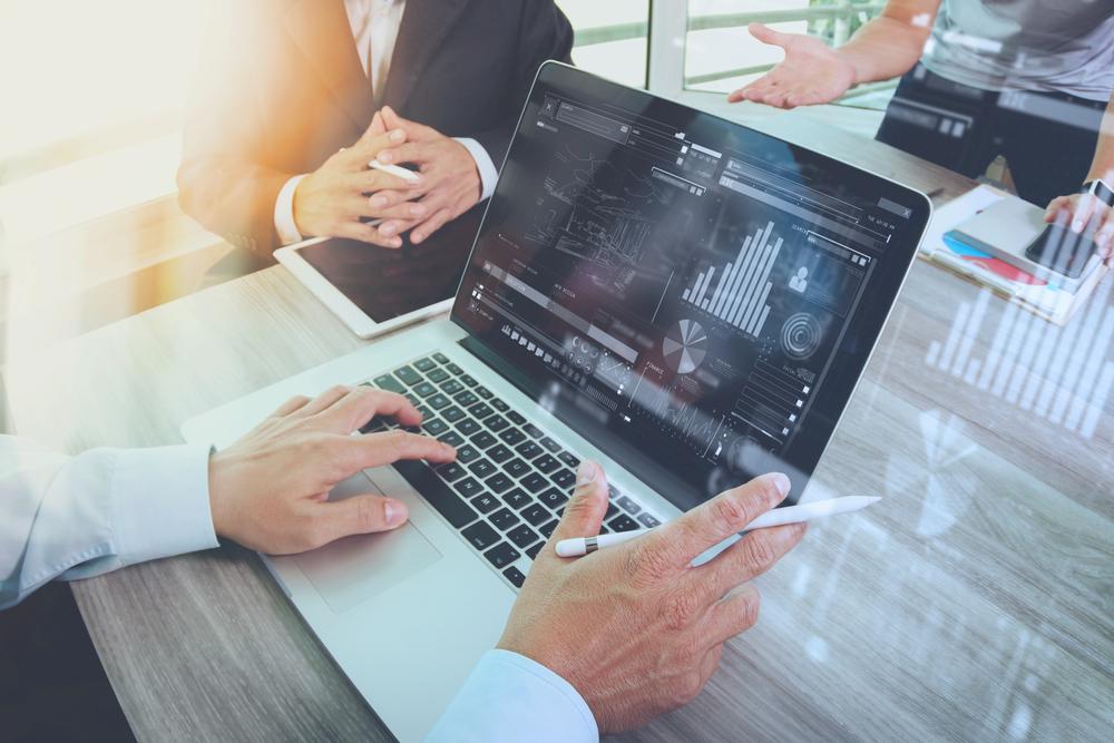 Cinq questions à se poser avant d'ouvrir un compte chez une banque en ligne