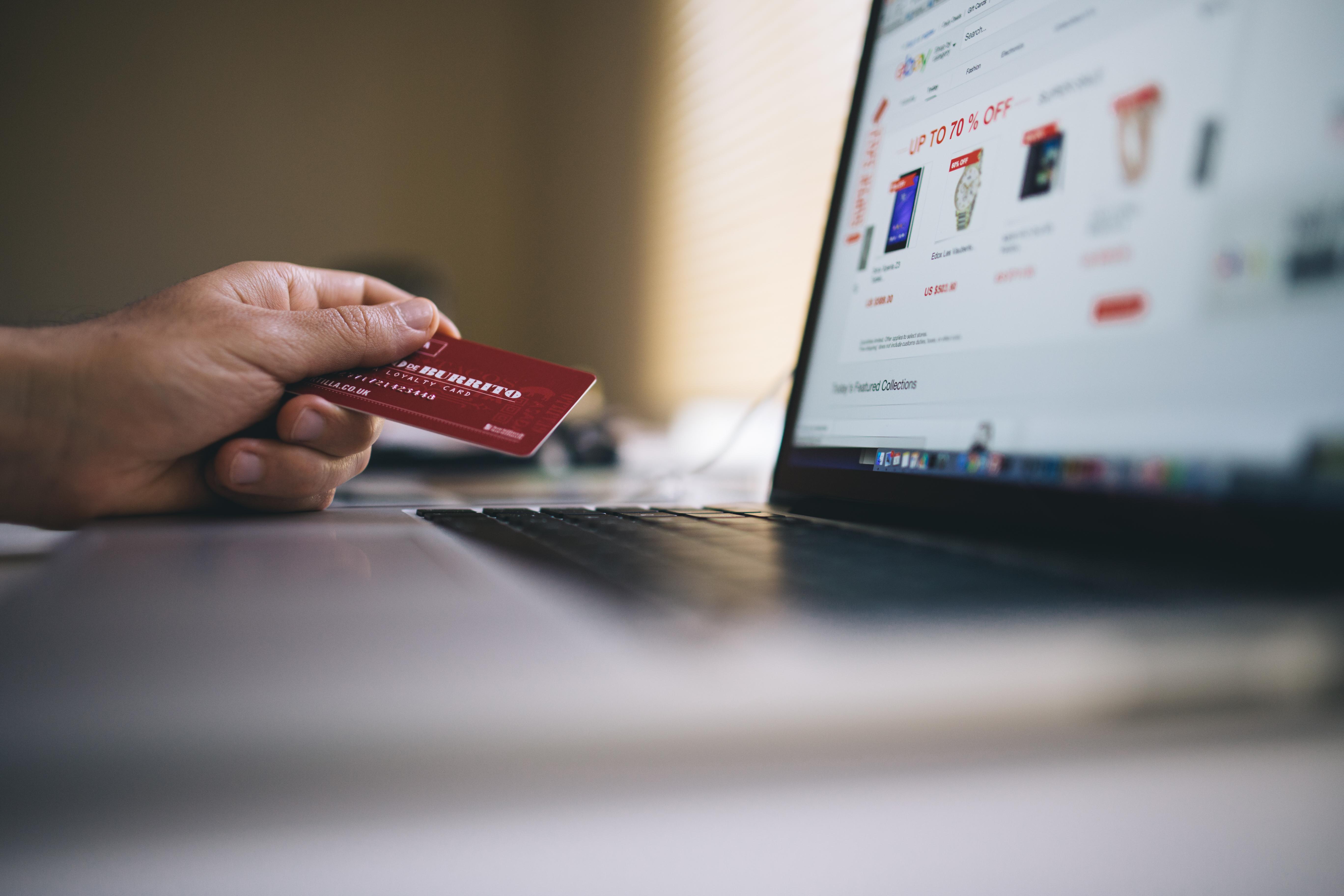 Quelle est la vraie différence entre la banque en ligne et la banque traditionnelle?
