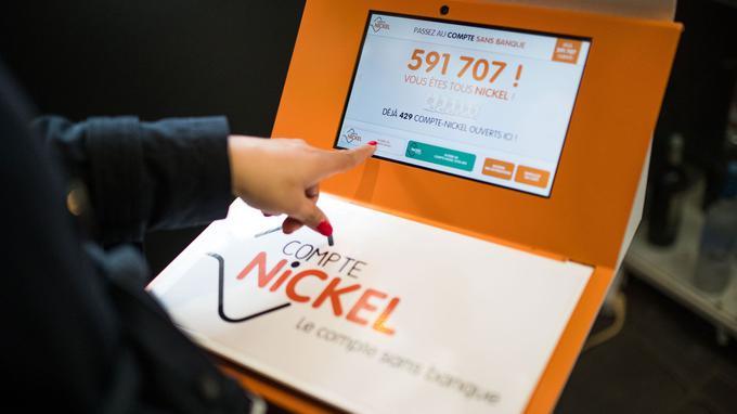 Le compte sans banque Nickel revoit sa stratégie pour se concentrer sur la clientèle populaire