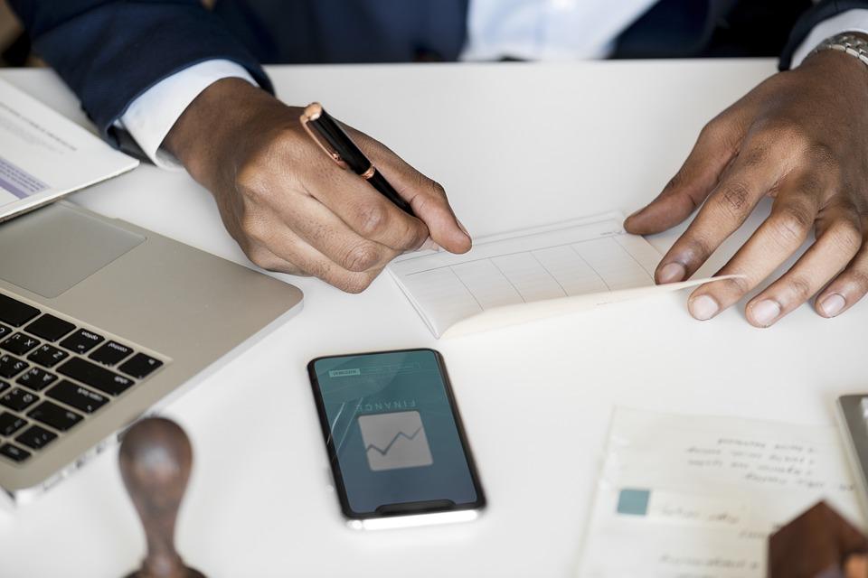 Étudiants : quelle banque en ligne est faite pour vous ?