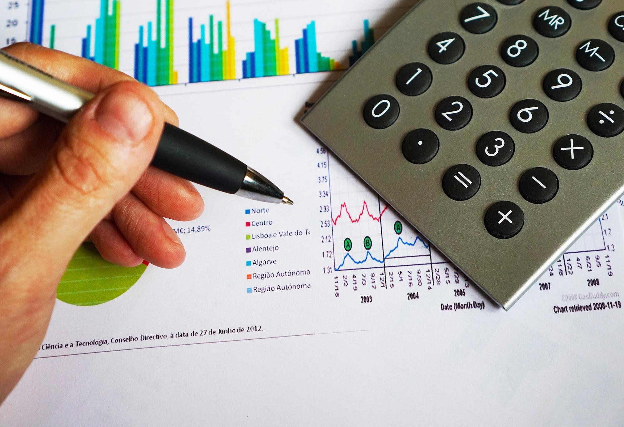 La banque en ligne de moins en moins chère que la banque traditionnelle