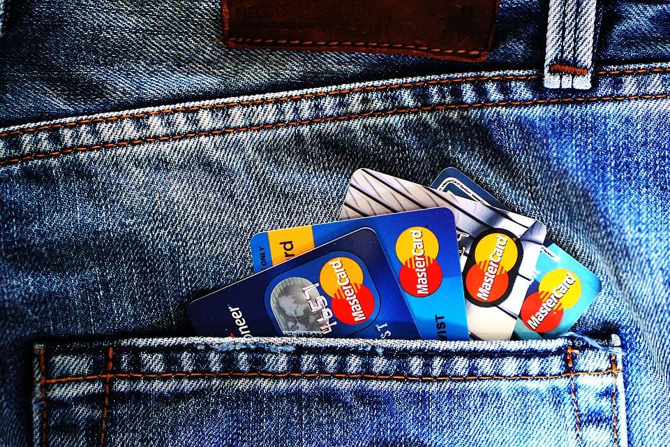 Banques en ligne : comment vont-elles réagir face à l'impôt à la source ?