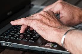 Banque en ligne : les seniors aussi l'adoptent